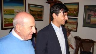 Sante Bressan (sinistra) con l'Ambasciatore Nicola Minasi (destra)